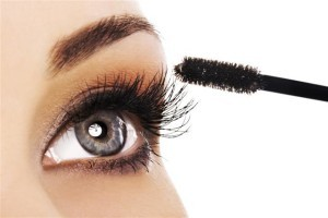 The Doctors: Permanent Mascara Solutions & Get Rich Tips