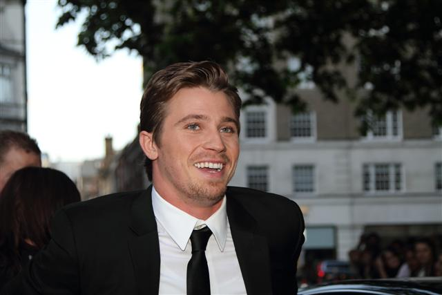 Live With Kelly Ripa: Garrett Hedlund & Country Strong