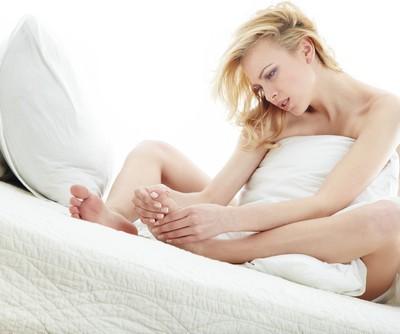 Drs: Eyelash Extension Dangers + Toenail Fungus & Bunions