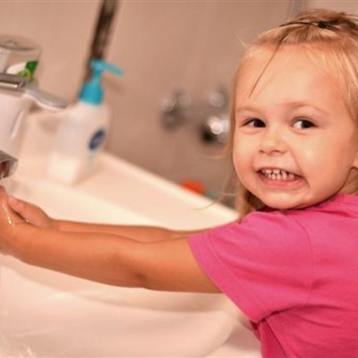 The Doctors: Why To Wash Your Hands In The Bathroom