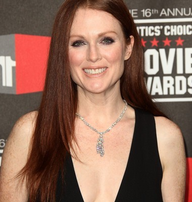Kelly & Michael: Julianne Moore Non-Stop + Keri Russell The Americans