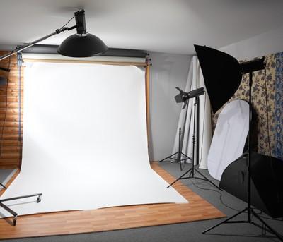 Ellen: Portrait Studio Prank