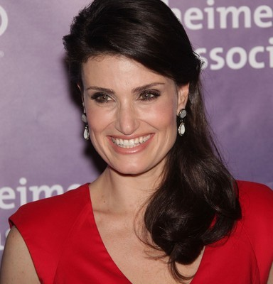 "Kelly & Michael: Idina Menzel ""Do You Hear What I Hear"""