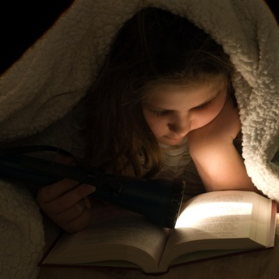 Dr Oz: Health Myths Debunked: Reading In The Dark Isn't Bad For You