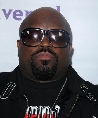 Ellen: What's On Cee Lo's Lap Live
