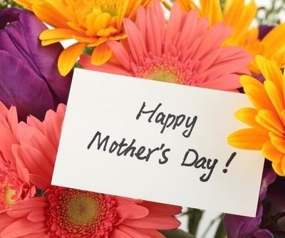 Ellen: Mother's Day Special & Giveaways