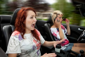 Drs: Distracted Driving Dangers + Sugar-Free Food Side Effects