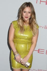 Ellen: Dogeared Create Necklace & Hilary Duff