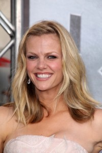 Brooklyn Decker: What To Expect When You're Expecting Review