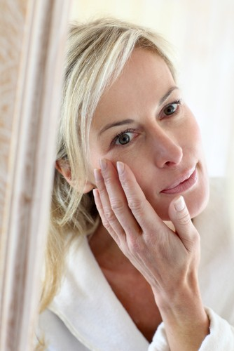 Boots Day & Night Skin Cream & No  7 Protect & Perfect Serum
