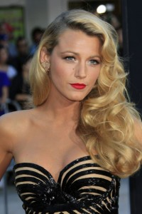 Blake Lively: Live With Kelly July 4 2012 Preview