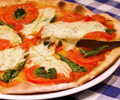 The Talk Food Festival: Jeff Mahin Prosciutto and Egg Pizza Recipe
