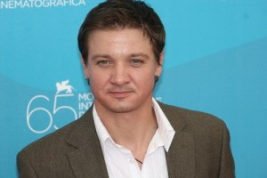 Jeremy Renner: Live With Kelly July 30 2012 Preview