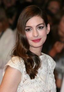 Anne Hathaway: Live With Kelly