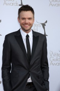 Joel McHale Apology: Live With Kelly