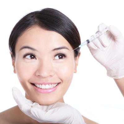 The Drs: Selfie Motivated Plastic Surgery + Psoriasis Treatment