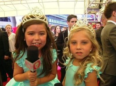 Ellen was joined by Sophia Grace and Rosie & talked about their summer, their visit to the red carpet at the VMAs and winning a Teen Choice.