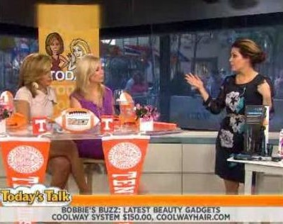 Kathie Lee and Hoda with The Scoop on how much you leave as a tip, a salary for housewives, National Museum Day and Talika Eyelash Curler review.