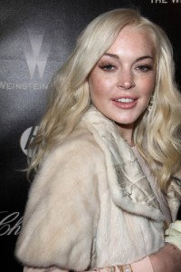 GMA: Lindsay Lohan 'Liz & Dick' Trailer & Cindy Crawford Beauty Tweets