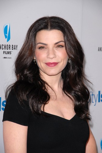 Julianna Margulies will come by Ellen on January 13, 2015 to talk about her show The Good Wife. (s_bukley / Shutterstock.com)