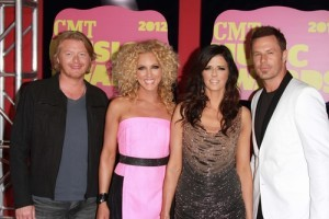 GMA: Little Big Town Pontoon