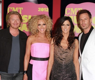"""Good Morning America: Little Big Town """"Pontoon"""" & """"Front Porch Thing"""""""