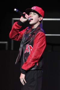 "Kelly & Michael: Austin Mahone ""Say Somethin"" Performance"
