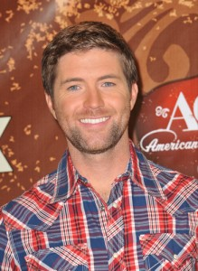 "Josh Turner 'Live Across America' Review & ""Why Don't We Just Dance"""