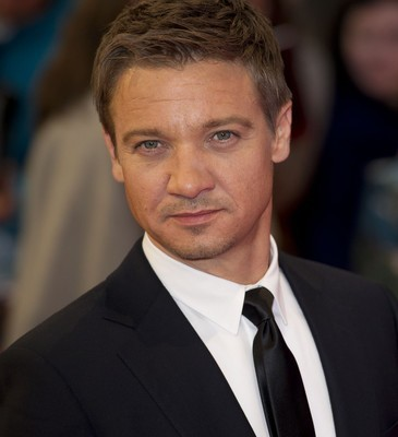 The Doctors: Jeremy Renner Viagra Accident & Avoiding Airport Germs