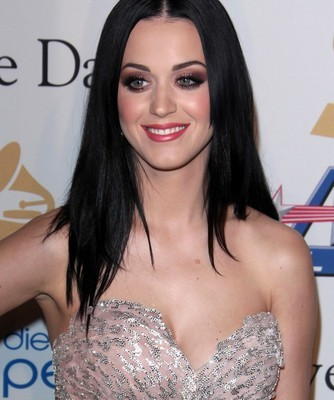 GMA: Katy Perry & John Mayer Dating & Kate Middleton Unrecognized