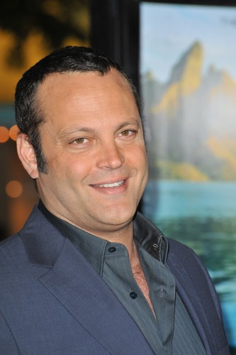 """Ellen chatted with Vince Vaughn and his """"The Internship"""" co-star ..."""