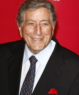 "Tony Bennett Viva Duets Review & ""The Best Is Yet To Come"" Performance"