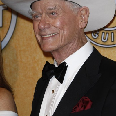 Kelly & Michael: Black Friday & Remembering Larry Hagman