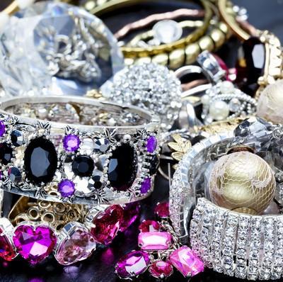Oprah: Rowallan of Scotland Jewelry Trunk & Jewelry Holiday Gift Guide