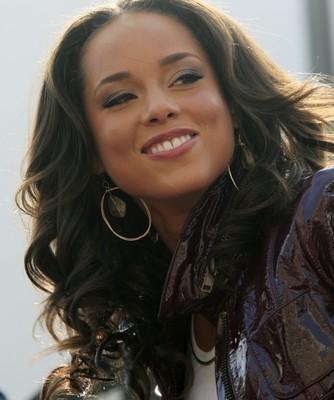 The View: Alicia Keys The Big Chop Haircut & Brand New Me Performance