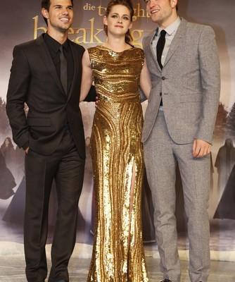 Ellen: Twilight Breaking Dawn with Robert Pattinson & Taylor Lautner
