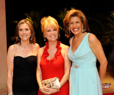 Kathie Lee & Hoda January 23: En-Joy Getting Fit & Darrell Hammond
