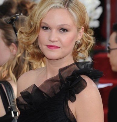 GMA: Julia Stiles The Makeover Review & Silver Linings Playbook Role