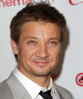 Kelly and Michael: Jeremy Renner Hansel & Gretel: Witch Hunters Review