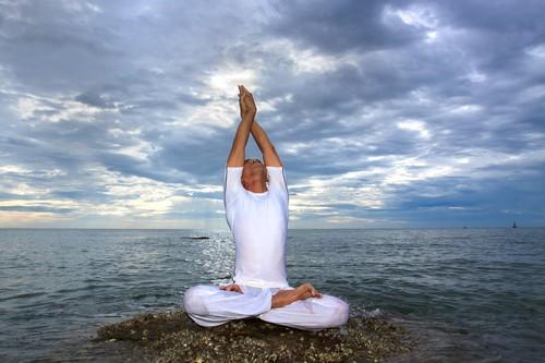 Kelly Ripa Yoga