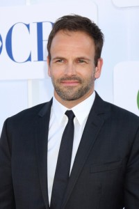 Kelly and Michael: Jonny Lee Miller Elementary Review & Marathon Times