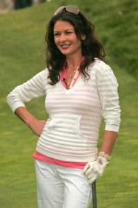 Kelly & Michael: Catherine Zeta-Jones Broken City Review & Golfing