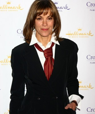 The Talk Wendie Malick Hot in Cleveland & Dolce & Gabanna Baby Perfume