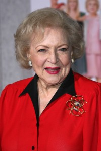The Doctors: Betty White Birthday Bash & Hot In Cleveland Cast Games