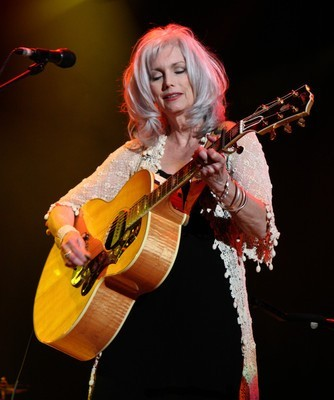 Late Show: Emmylou Harris & Rodney Crowell Old Yellow Moon Performance