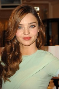 GMA Miranda Kerr Green Juice & Seth MacFarlane Won't Host Oscars Again