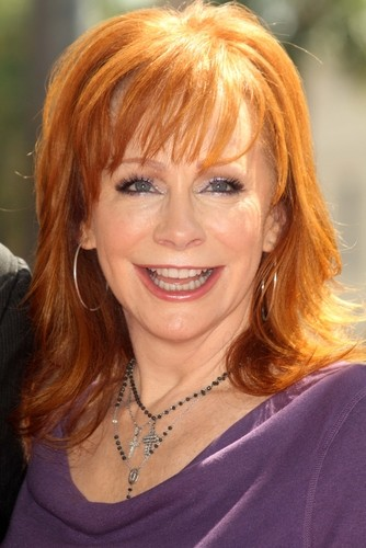 Katie reba mcentire malibu country kelly clarkson for How many kids does reba mcentire have