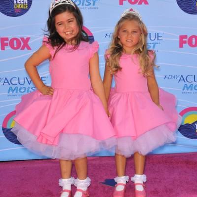 Ellen: Sophia Grace & Rosie, Dylan's Candy Bar & Sprinkles Cupcakes