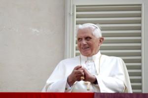 David Letterman: Vibrating Desk & Top 10 Pope Benedict Achievements