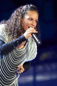 Ellen: Alicia Keys Brand New Me Performance & 2013 Girl On Fire Tour